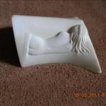 Sculpture sur os de nu